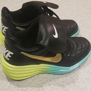 Nike size 8 sneakers wedge